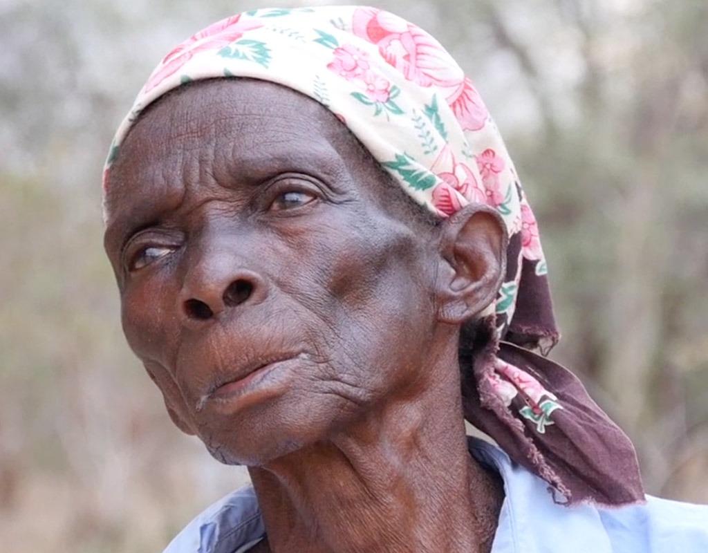 acciones-contra-hambre-mozambique-azada-verde