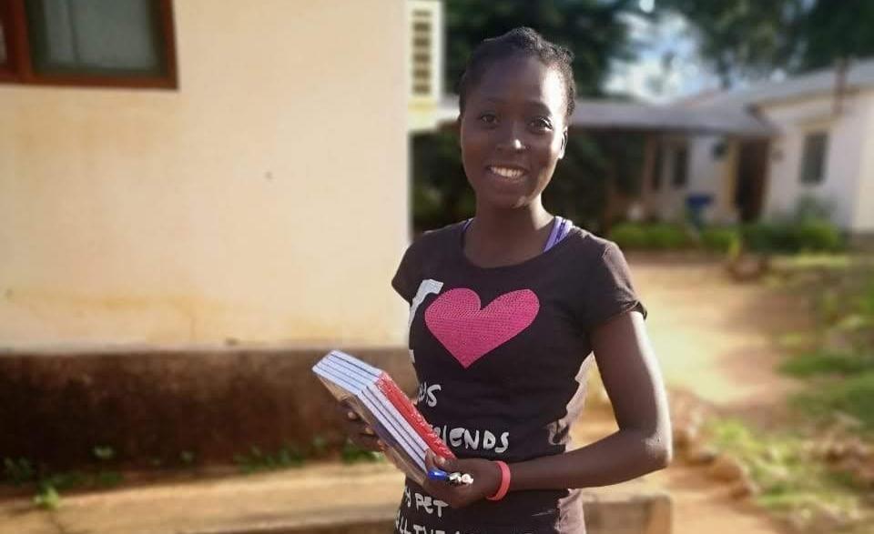 Rabeca, contenta con la educación que recibe de Escolas de Paz