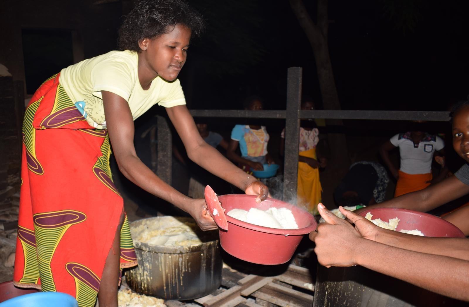 Nuestra Alimentación de Internados para combatir la hambruna en Mozambique